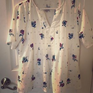 Short sleeve flowy blouse